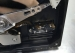 WD5000AAKX电源插反导致硬盘烧坏,电路板明显烧坏 拆开硬盘盘体后发现硬盘里面的磁头也烧成焦炭了